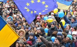 Евромайдан разделил Украину пополам (инфографика)