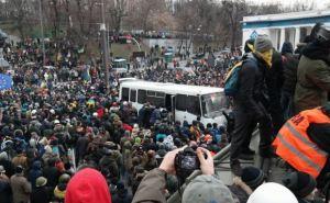 В Киеве по-прежнему неспокойно: продолжаются стычки между митингующими и силовиками