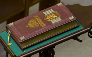 Кличко и Янукович обсудили возврат к Конституции 2004 года