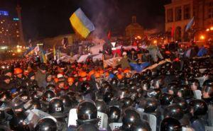 Штурм Евромайдана. В МВД сообщили о шести правоохранителях погибших от огнестрельных ранений (видео)