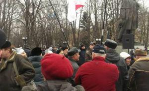 Луганский Евромайдан не будет собираться возле памятника Шевченко