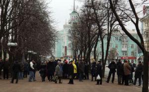 Обстановка в центре Луганска (фоторепортаж)