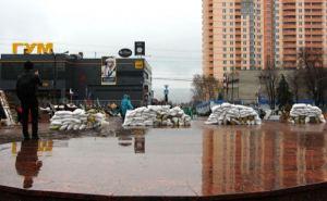Захват СБУ в Луганске: баррикады растут с каждым днем (фото)