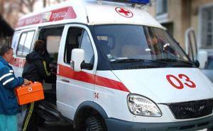 В результате попадания снаряда в маршрутку в Луганске погибли 2 человека