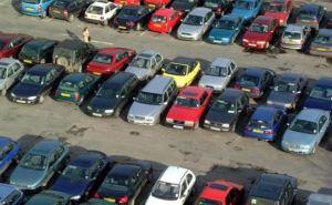 В Луганске с автостоянки угнали 17 машин