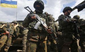 Военнослужащие удерживают позиции в районах аэропортов Луганска и Донецка
