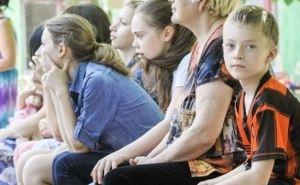 Детей, которые находятся в зоне АТО, призвали не поднимать ничего с земли из-за запрещенных мин