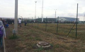 На границе в районе «Изварино» собираются огромные очереди (фото)
