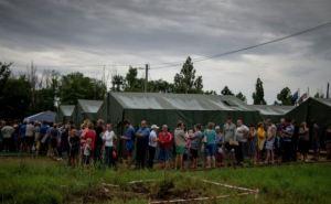 Луганская и Донецкая народные республики начали выплачивать пособия беженцам