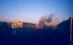 Один из районов Донецка затянуло черным дымом (фото)