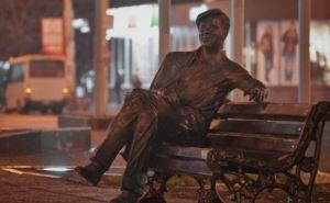 В Запорожье уничтожили памятник герою фильма «Весна на Заречной улице». —СМИ