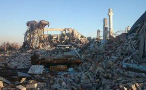 Хроники боевых действий: разрушенный аэропорт в Луганске (фото)