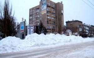 Сейчас частники пытаются откопать свои машины. —Чиновник о снегопаде в Луганске