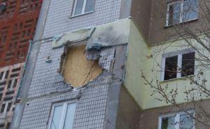 В Донецке от обстрела пострадал жилой многоэтажный дом (фото)