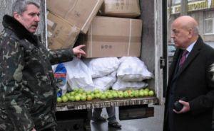 Из Черновцов в Луганскую область привезли новогоднюю гуманитарную помощь