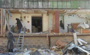 В Донецке снаряд попал в жилой дом. Погибла семья. —Местные жители (фото)