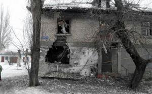 Последствия обстрела Первомайска в Луганской области (фото)