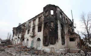 Углегорск в огне: после боевых действий множество домов в городе разрушены (фото)