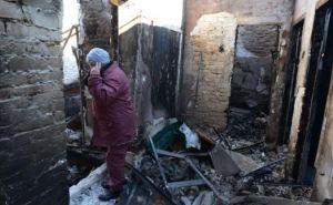 В Донецке восстанавливают дома, пострадавшие от артобстрелов