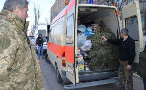 В Северодонецк привезли несколько тонн гуманитарки и машину скорой помощи (фото)