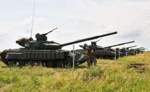 В Луганской области танкисты самопровозглашенной ЛНР провели учения (фото)