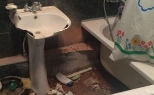Последствия обстрела Куйбышевского района Донецка (фото)