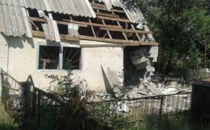 Последствия обстрелов поселка Гранитное Донецкой области (фото)