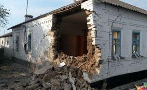 Последствия обстрела поселка Сартана в Мариуполе (фото)