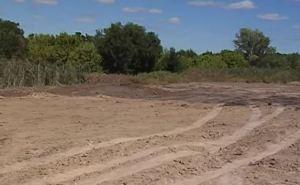 Луганские коммунальщики ликвидировали стихийную свалку в поселке Веселенькое (видео)