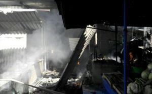 В Мариуполе горел Киевский рынок (фото)