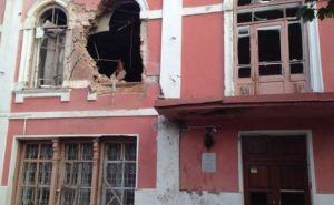 В музее истории и культуры Луганска устанавливают окна, взамен разбитых при обстреле