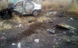 В Марьинке на мине подорвался автомобиль. Двое мужчин погибли