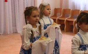 В Луганске обеспечили необходимыми продуктами детские сады (фото)