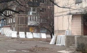В Новотошковском восстанавливают поврежденные обстрелами дома