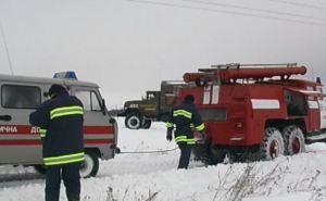 Харьковские спасатели вытащили из заносов 42 машины скорой помощи