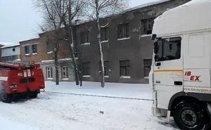 Харьковские спасатели вытащили из ледяного плена скорую помощь