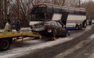 В Краснодоне иномарка врезалась в автобус. Есть жертвы (фото)