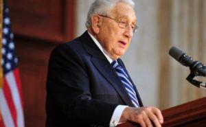 Украина должна быть мостом между Западом и Россией, а не форпостом одной из сторон. —Киссинджер