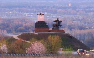Станица Луганская поздно вечером попала под обстрел