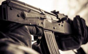 На бывшей мебельной фабрике в Красном Луче обнаружили большое количество оружия