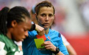Главным арбитром матча украинской Премьер-лиги впервые назначена женщина