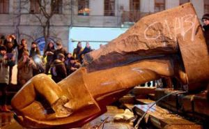 В Харьковской области демонтируют 182 советских памятника