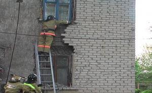 В Славяносербском районе чуть не обрушился двухэтажный дом (фото)
