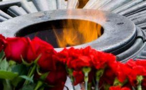 В Харькове на Мемориале Славы 9мая произошли потасовки (видео)