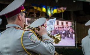 В Харькове прошел парад оркестров (фото)