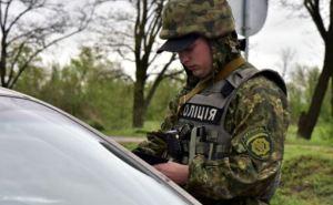 На блокпостах в Донецкой области задержали 5 перевозчиков оружия (фото)