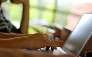 Интернет становится важнее близких отношений. —Исследование ученых