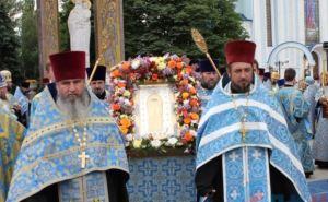 В Луганске прошел крестный ход (фото)