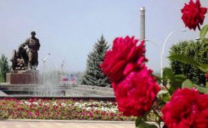 Луганские фонтаны работают в экономном режиме (видео)