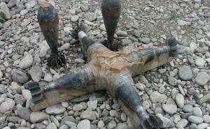 В Луганской области на фугасе подорвались двое военных
